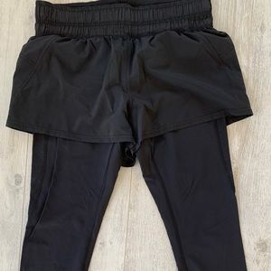 Rare 7/8 leggings with attached running shorts
